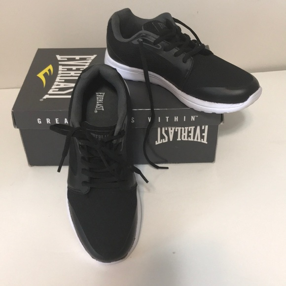 Everlast Black Lightweight Tennis Shoe
